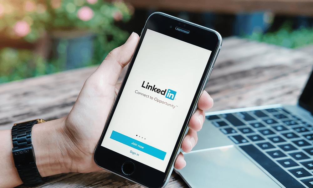 Advertisment 4 LinkedIn Ads Introduction